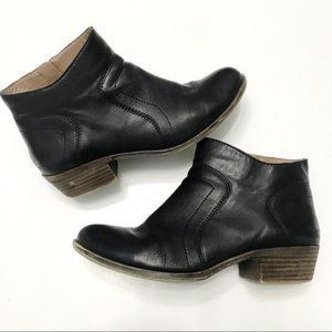 LUCKY Brolley Stacked Heel Leather Ankle Booties